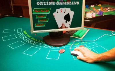 Blackjack Tisch mit Monitor, Mouse und Jetons